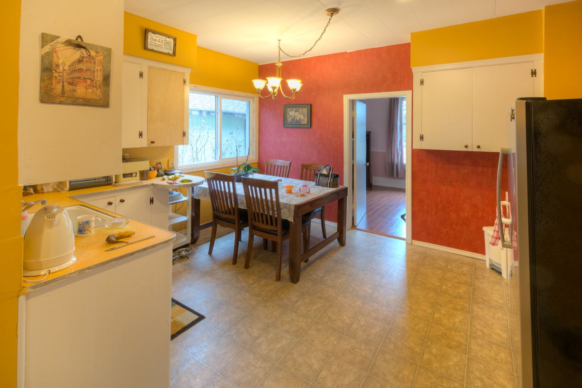 Photo 4: 724 FIFTH STREET in New Westminster: GlenBrooke North House for sale : MLS® # R2143580