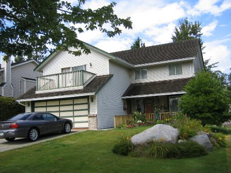 Main Photo: 15825 97A Avenue: House for sale (Guildford)