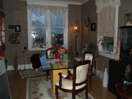 Photo 4: 432 PARR ST.: Residential for sale (Canada)  : MLS® # 2800392