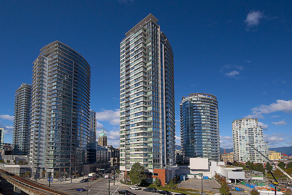 "Main Photo: 2707 688 ABBOTT Street in Vancouver: Downtown VW Condo for sale in ""FIRENZE II"" (Vancouver West)  : MLS®# V949386"