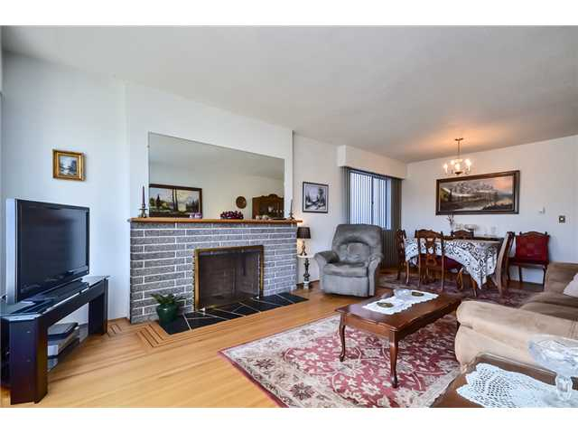 Photo 2: 3463 E 27TH Avenue in Vancouver: Renfrew Heights House for sale (Vancouver East)  : MLS(r) # V995620