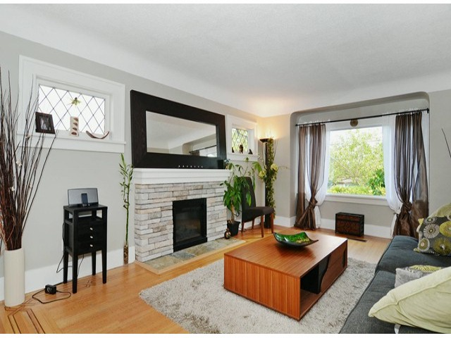 Photo 2: 3667 DUNBAR Street in Vancouver: Dunbar House for sale (Vancouver West)  : MLS® # V1080025