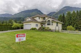 Main Photo: 49034 Riverbend Dr. in Chilliwack: House for sale : MLS® # R2055373