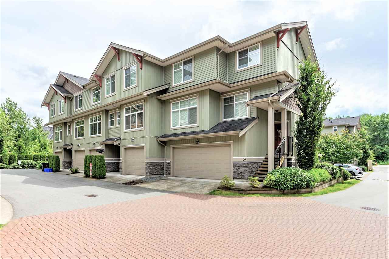 FEATURED LISTING: 31 - 20967 76 Avenue Langley