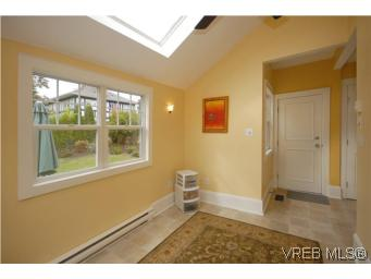 Photo 11: 1044 Redfern Street in VICTORIA: Vi Fairfield East Single Family Detached for sale (Victoria)  : MLS® # 269275