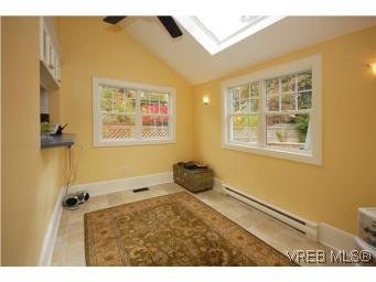 Photo 10: 1044 Redfern Street in VICTORIA: Vi Fairfield East Single Family Detached for sale (Victoria)  : MLS® # 269275