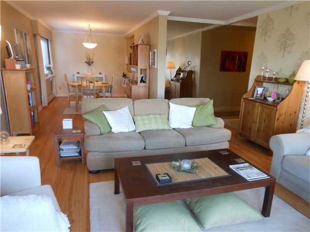Photo 2: 102 3784 W 16TH Avenue in Vancouver: Dunbar Condo for sale (Vancouver West)  : MLS® # V1000017