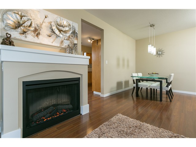 Photo 4: # 114 2969 WHISPER WY in Coquitlam: Westwood Plateau Condo for sale : MLS® # V1037078