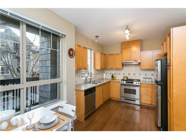 Photo 9: # 114 2969 WHISPER WY in Coquitlam: Westwood Plateau Condo for sale : MLS® # V1037078