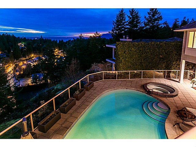 Main Photo: 4678 HEADLAND DR in West Vancouver: Caulfeild House for sale : MLS(r) # V1050353