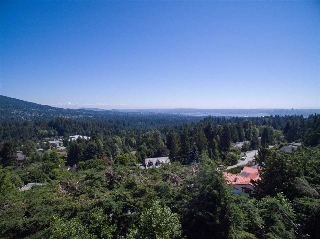 Main Photo: 530 ST ANDREWS ROAD in West Vancouver: Glenmore House for sale : MLS®# R2098916