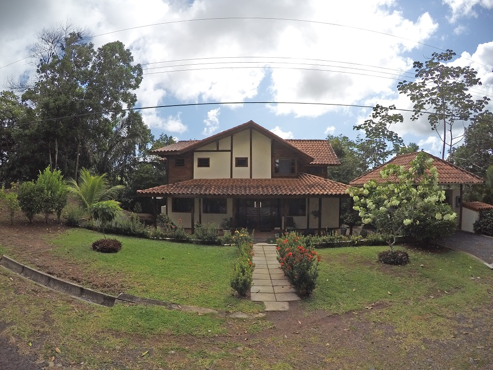 FEATURED LISTING:  Brisas De Los Lagos