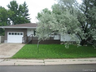 Main Photo: 6106 SHERWOOD Drive in Regina: Normanview West Single Family Dwelling for sale (Regina Area 02)  : MLS® # 467084