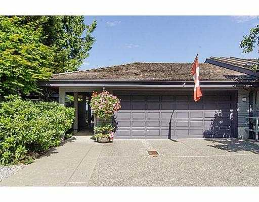 "Photo 18: 5257 ASPEN Crescent in West Vancouver: Upper Caulfeild Townhouse for sale in ""SAHALEE"" : MLS(r) # V1023681"