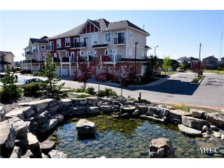 Main Photo: 762 73 Street SW in CALGARY: West Springs Townhouse for sale (Calgary)  : MLS® # C3585882