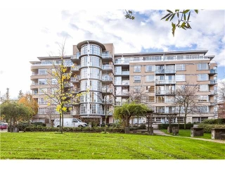 Main Photo: # 201 2655 CRANBERRY DR in Vancouver: Kitsilano Condo for sale (Vancouver West)  : MLS®# V1036126