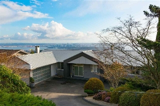 Main Photo: 1408 Sandhurst Place in West Vancouver: British Properties House for sale : MLS®# R2037375