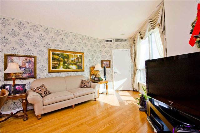 Photo 16: 300 Bloor St Unit #1203 in Toronto: Rosedale-Moore Park Condo for sale (Toronto C09)  : MLS(r) # C3443048