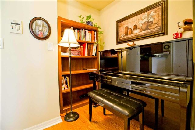 Photo 18: 300 Bloor St Unit #1203 in Toronto: Rosedale-Moore Park Condo for sale (Toronto C09)  : MLS(r) # C3443048