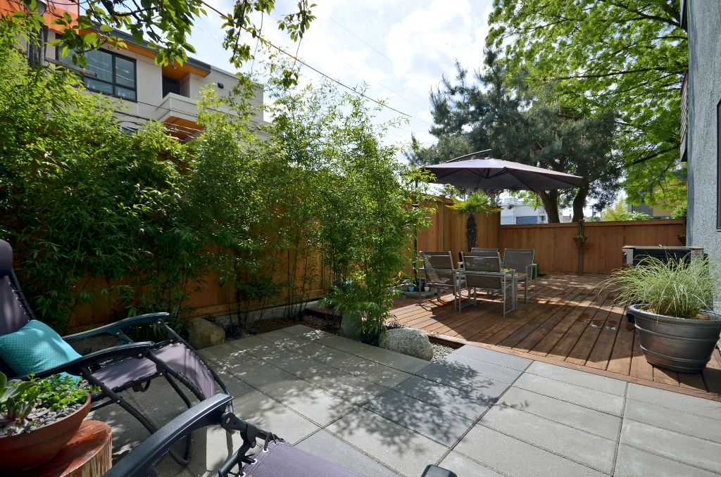"Main Photo: 101 3150 PRINCE EDWARD Street in Vancouver: Mount Pleasant VE Condo for sale in ""PRINCE EDWARD PLACE"" (Vancouver East)  : MLS®# V952029"
