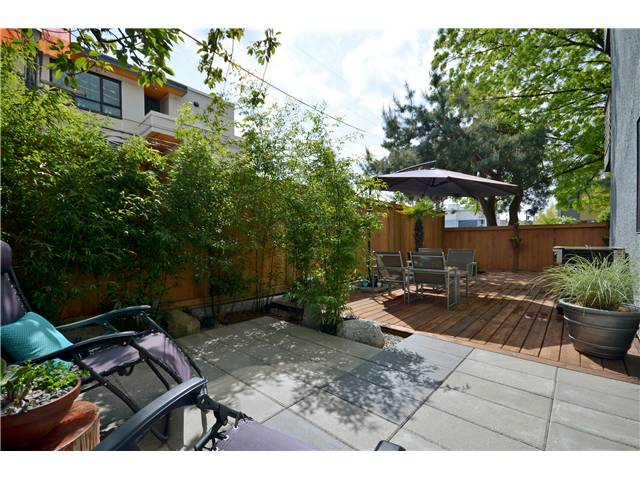 "Main Photo: 101 3150 PRINCE EDWARD Street in Vancouver: Mount Pleasant VE Condo for sale in ""PRINCE EDWARD PLACE"" (Vancouver East)  : MLS® # V952029"