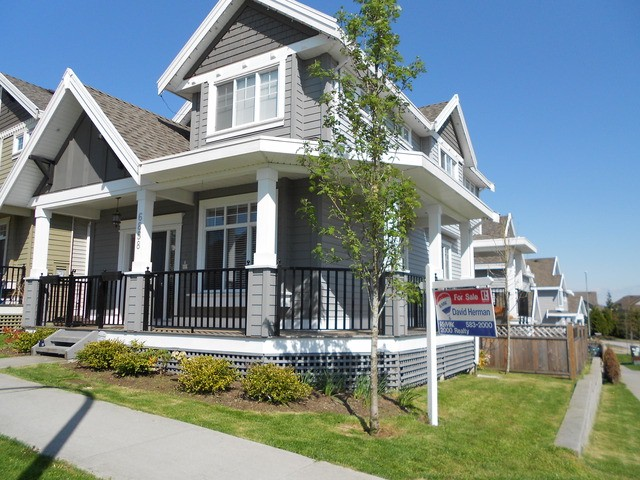 Main Photo: 6858 195A Street in Surrey: Clayton House for sale (Cloverdale)  : MLS® # F1309534
