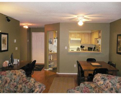Photo 3: 105 1955 SUFFOLK Avenue in Port Coquitlam: Glenwood PQ Home for sale ()  : MLS(r) # V729843