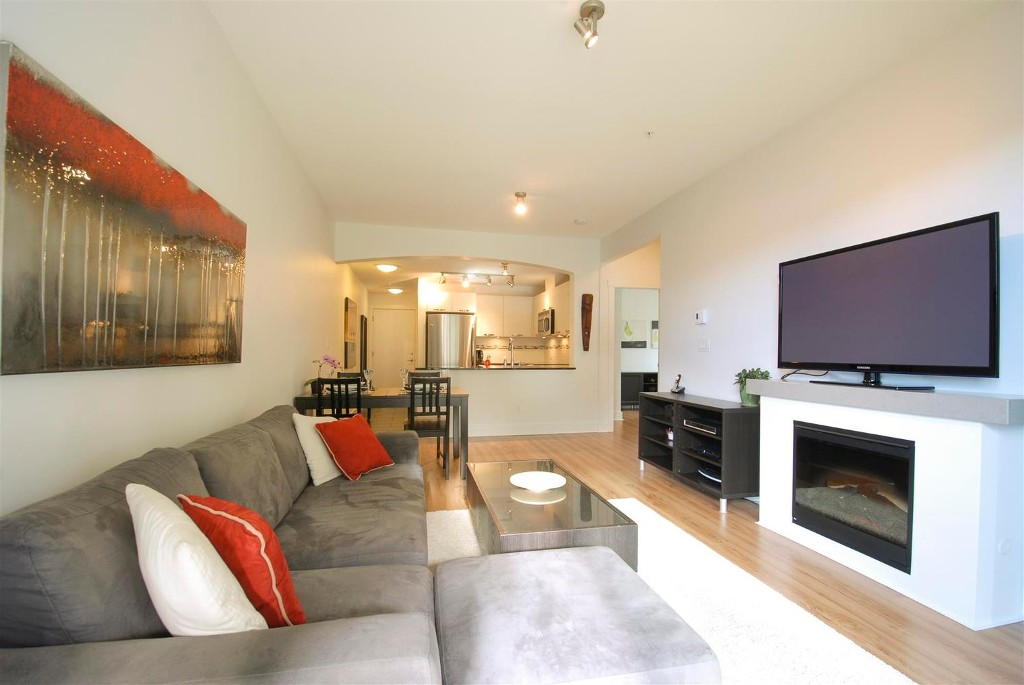 Photo 7: # 409 7418 BYRNEPARK WK in Burnaby: South Slope Condo for sale (Burnaby South)  : MLS(r) # V1046795