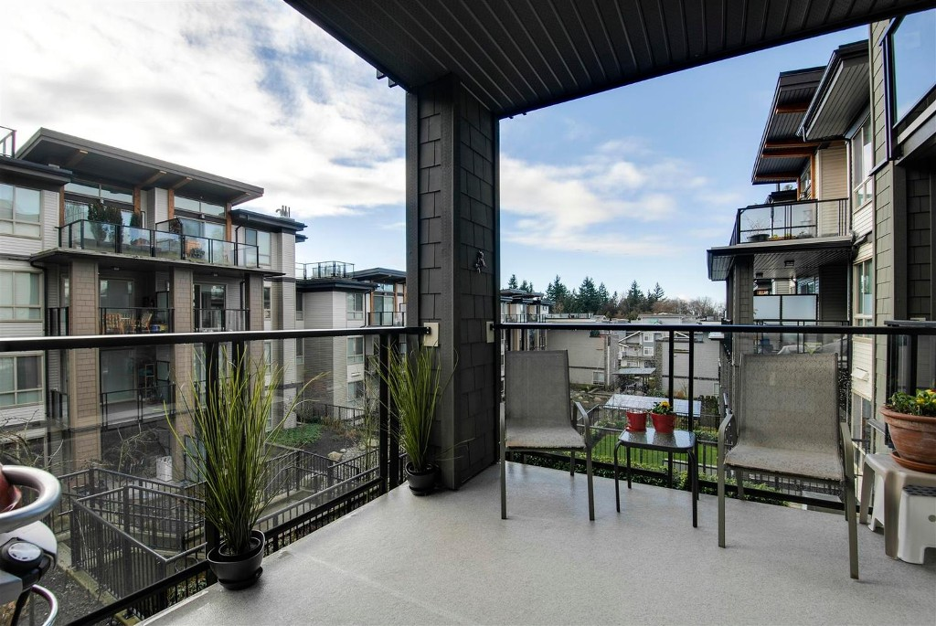 Photo 8: # 409 7418 BYRNEPARK WK in Burnaby: South Slope Condo for sale (Burnaby South)  : MLS(r) # V1046795