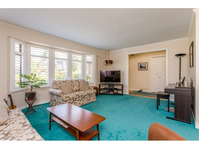 Photo 3: 1861 129A ST in Surrey: Crescent Bch Ocean Pk. House for sale (South Surrey White Rock)  : MLS® # F1446892