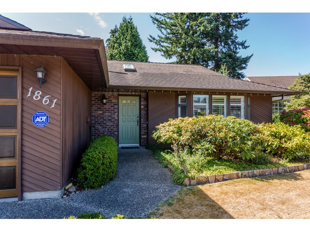 Main Photo: 1861 129A ST in Surrey: Crescent Bch Ocean Pk. House for sale (South Surrey White Rock)  : MLS® # F1446892