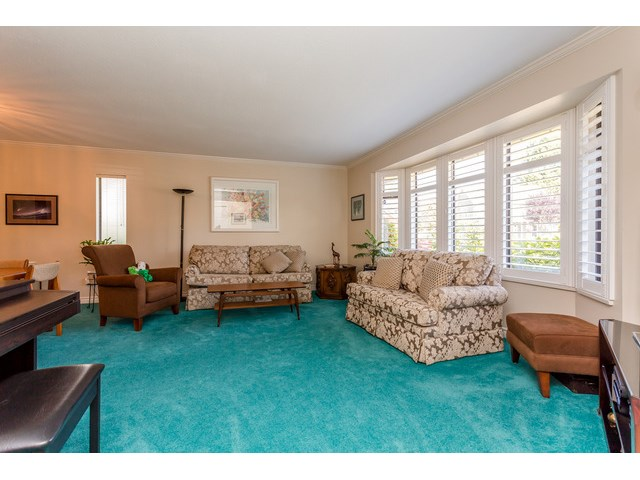 Photo 2: 1861 129A ST in Surrey: Crescent Bch Ocean Pk. House for sale (South Surrey White Rock)  : MLS® # F1446892