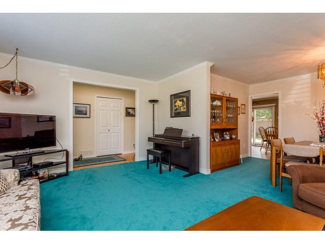 Photo 4: 1861 129A ST in Surrey: Crescent Bch Ocean Pk. House for sale (South Surrey White Rock)  : MLS® # F1446892