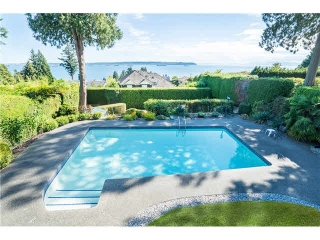 Main Photo: 3250 Westmount Rd in West Vancouver: Westmount WV House for sale : MLS® # V1138435