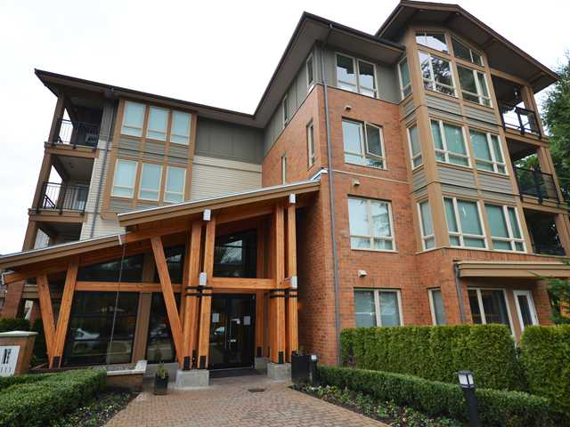 "Main Photo: 316 1111 E 27TH Street in North Vancouver: Lynn Valley Condo for sale in ""BRANCHES"" : MLS(r) # V937033"