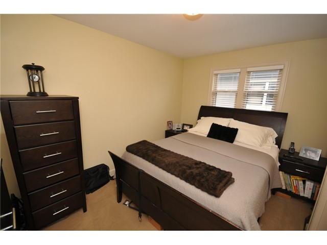 Photo 7: 1218 16th Avenue in Vancouver: House 1/2 Duplex for sale : MLS(r) # V1069829