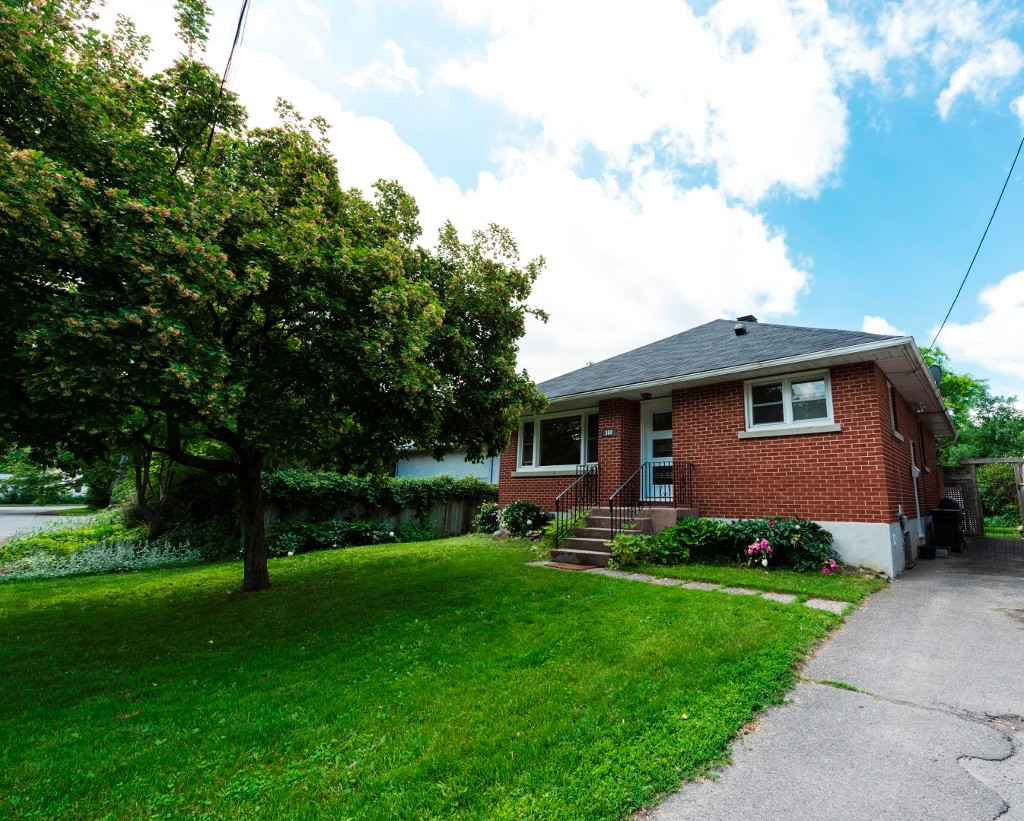 Main Photo: 300 Kirchoffer Avenue in Ottawa: Westboro - West House for rent (5102)