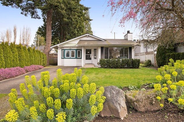 Main Photo: 2788 GORDON AVENUE in Surrey: Crescent Bch Ocean Pk. House for sale (South Surrey White Rock)  : MLS® # R2046605