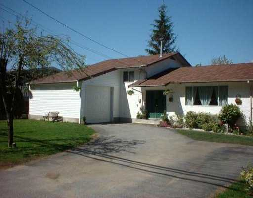 Main Photo: 19465 HAMMOND RD in Pitt Meadows: Central Meadows House for sale : MLS(r) # V533865