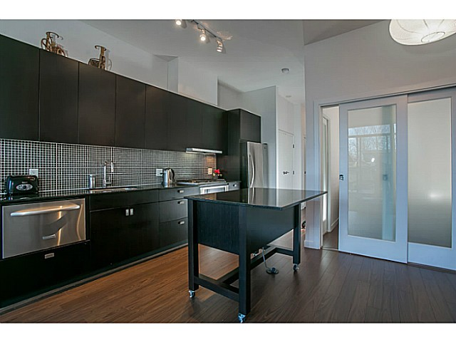 Photo 2: # 312 121 BREW ST in Port Moody: Port Moody Centre Condo for sale : MLS® # V1036625