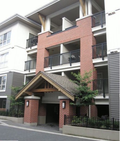 Main Photo: A212 8929 202 Street in Langley: Walnut Grove Condo for sale : MLS(r) # F1401821