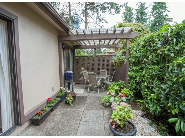 Photo 5: # 104 12741 16TH AV in Surrey: Crescent Bch Ocean Pk. Condo for sale (South Surrey White Rock)  : MLS(r) # F1415306