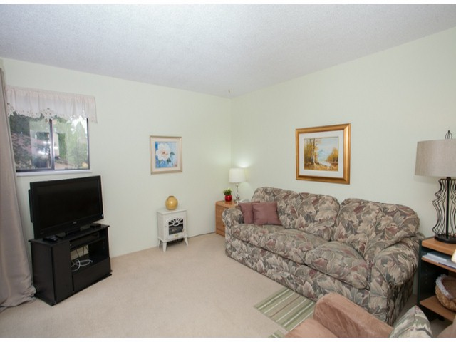 Photo 19: # 104 12741 16TH AV in Surrey: Crescent Bch Ocean Pk. Condo for sale (South Surrey White Rock)  : MLS(r) # F1415306