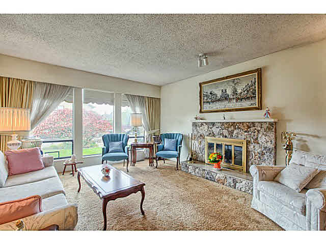 Photo 3: 5263 BENTLEY COURT in Ladner: Hawthorne House for sale : MLS(r) # V1142480
