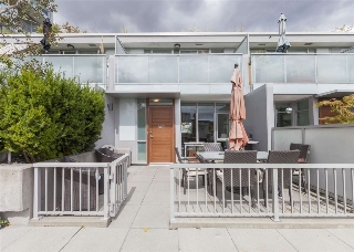 Main Photo: 310 2770 SOPHIA STREET in Vancouver: Mount Pleasant VE Townhouse for sale (Vancouver East)  : MLS® # R2122223