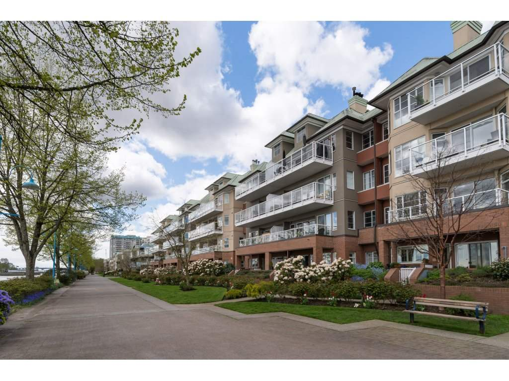 Main Photo: 106 12 K DE K COURT in New Westminster: Quay Condo for sale : MLS(r) # R2161289
