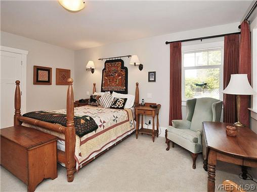 Photo 11: 1120 Woodstock Avenue in VICTORIA: Vi Fairfield West Single Family Detached for sale (Victoria)  : MLS(r) # 309105