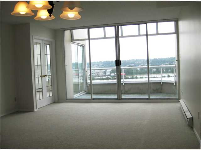 Photo 5: # 1702 1065 QUAYSIDE DR in : Quay Condo for sale : MLS(r) # V893405