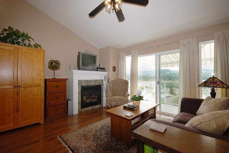 Photo 5: 11 1615 Shaughnessy Street in Port Coquitlam: Home for sale
