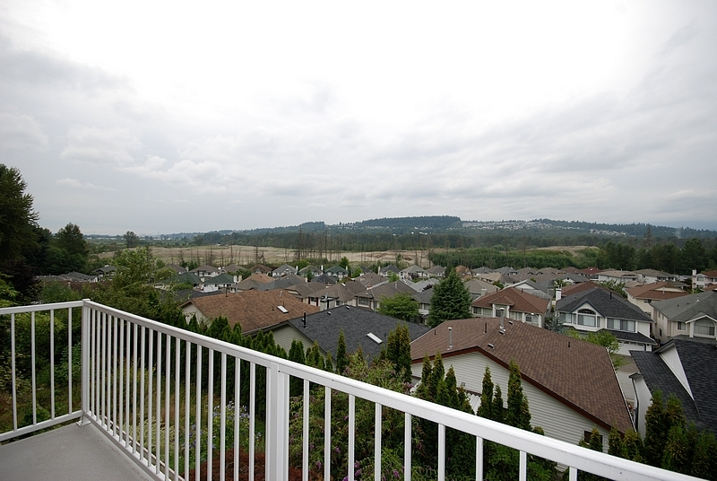 Photo 9: 11 1615 Shaughnessy Street in Port Coquitlam: Home for sale